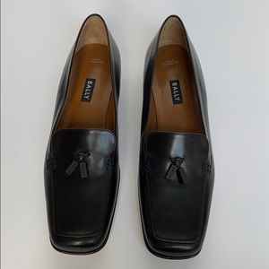 BALLY Black Leather Loafers w/ Logo Tassels